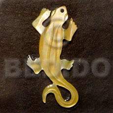 Lizard carving mop 45mm Carved Pendants