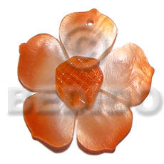 Graduated orange 25mm hammershell flower Carved Pendants