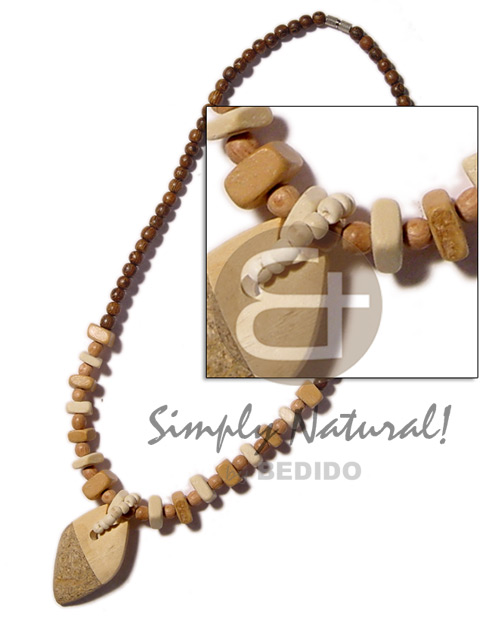 Bayong rosewood beads coco sq. Choker Necklace