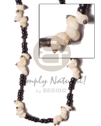 Nipples shell 4-5 blk Coco Necklace