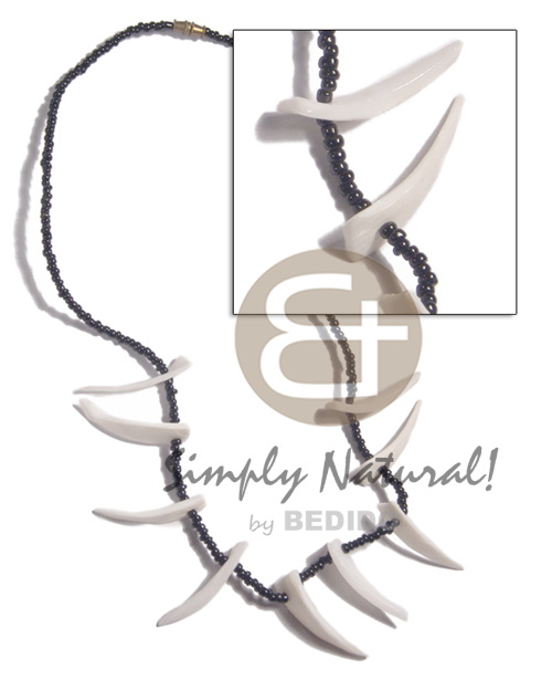 White clam tusks in black Glass Beads Necklace