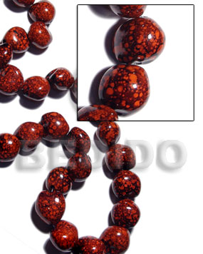 16 pcs. of kukui nuts in high polished paint gloss marbleized red/black combination - Kukui Lumbang Nuts Beads