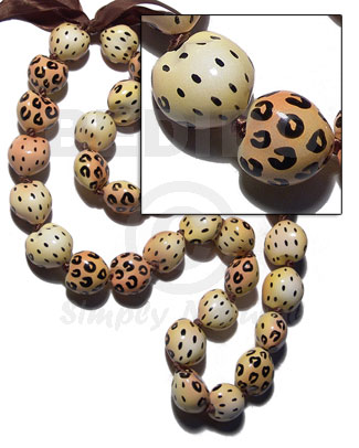 kukui seeds in animal print / leopard / 30 pcs. / in adjustable ribbon  the maximum length of 54in - Leis