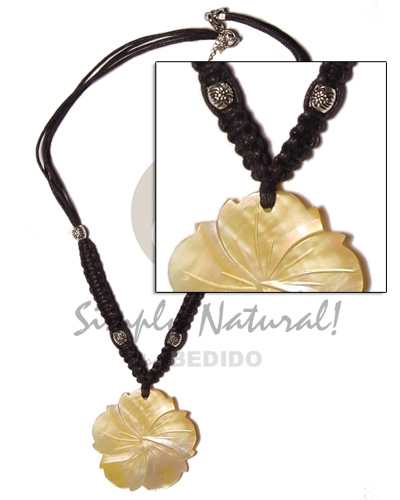 40mm grooved mop flower in Natural Earth Color Necklace