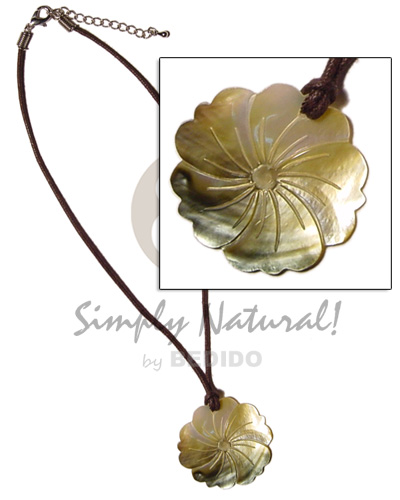 40mm 5 hearts flower blacklip Necklace with Pendant