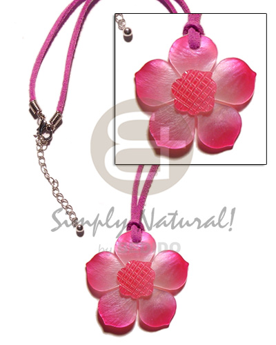 Graduated pink tones hammershell flower Necklace with Pendant