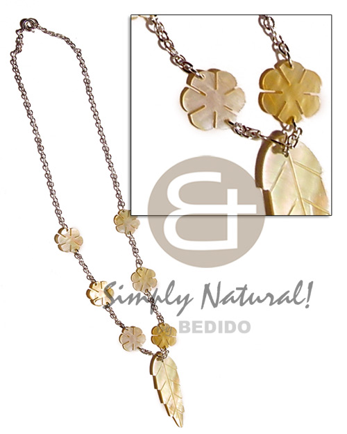 hand made Mop leaf flowers in Necklace with Pendant