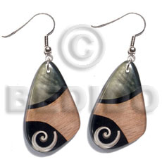 Dangling 40mmx27mm laminated everlasting luhuanus Resin Earrings