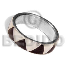 Inlaid hammershell in stainless 10mm Rings