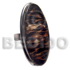 big accent haute hippie oval 43mmx22mm / adjustable metal ring  flat edges /  laminated ypilypil leaves in black resin - Rings