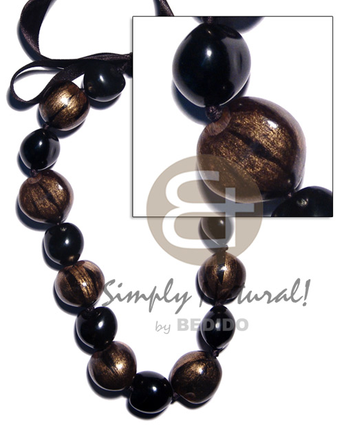 hand made Black kukui nuts Seeds Necklace