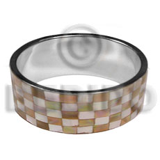 Laminated brownlip blocking in 1 Shell Bangles