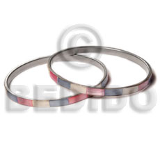 Laminated hammershell pink blue natural white alternate Shell Bangles