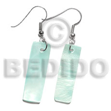 Dangling 30x10mm aqua blue hammershelll Shell Earrings