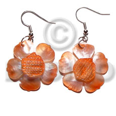 hand made Dangling graduated orange 30mm hammershell Shell Earrings
