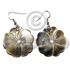 Dangling 35mm 5 hearts flower Shell Earrings