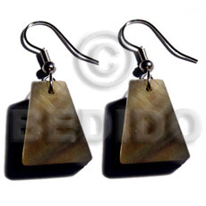 Dangling 18mmx14mm pyramid blacklip Shell Earrings
