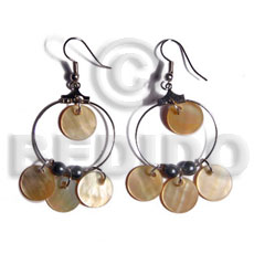 Dangling 12mm round mop in Shell Earrings