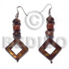 dangling 25mmx25mm diamond laminated golden amber kabibe shell rings  in high gloss  wood beads accent - Shell Earrings
