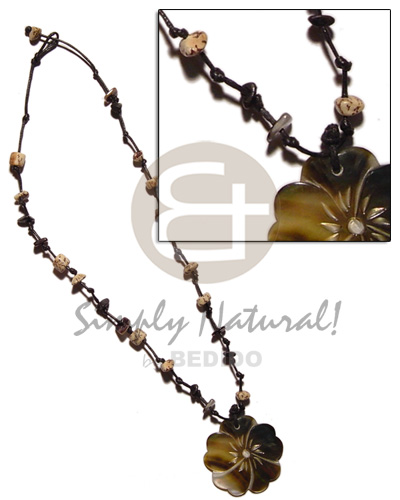 35mm blacklip flower in knotted Shell Necklace