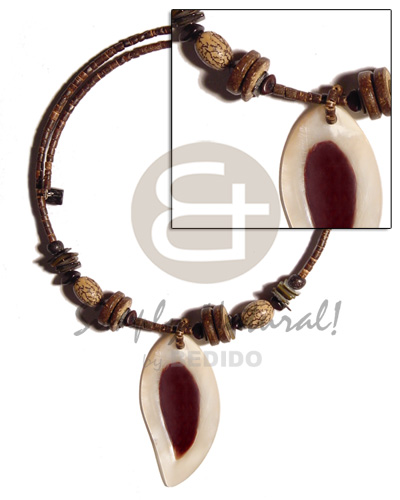 50mm teardrop hammershell skin Shell Necklace
