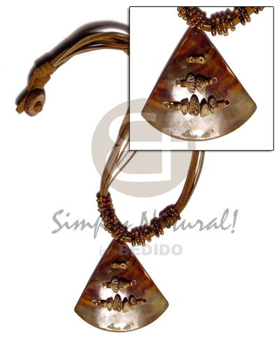 Pie cut brown lip 45mm Shell Necklace