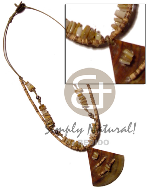 45mm brownlip pie cut Shell Necklace