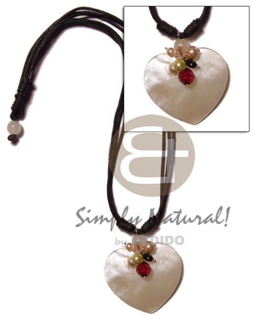 50mm heart hammershell in wax Shell Necklace
