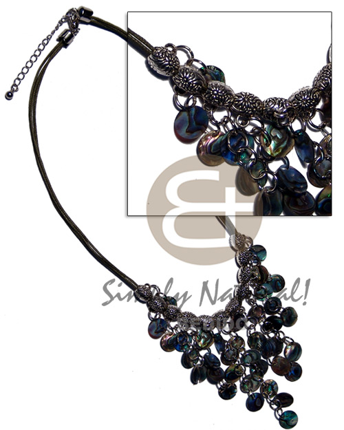 Cleopatra- dangling 10mm 36pcs. Shell Necklace