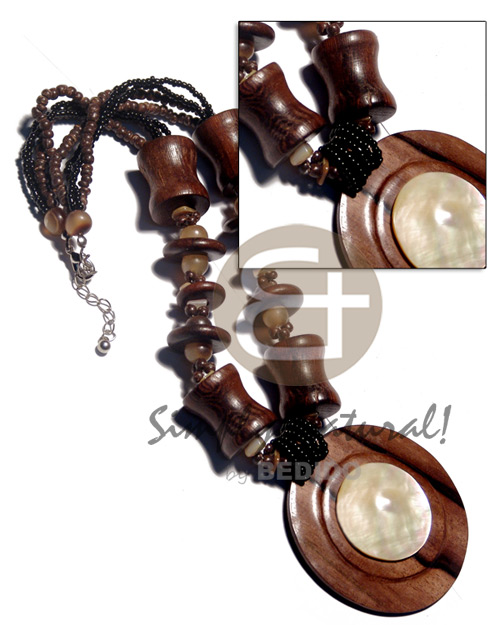 4 layers 2-3mm coco pokalet. Shell Necklace