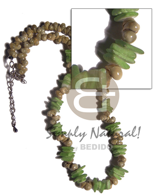 Green mongo shells white Shell Necklace