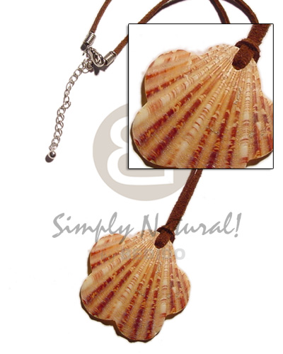 hand made Scallop palium pigtim shell pendant Shell Necklace