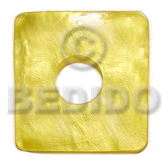 40mmx40mm square yellow hammershel Shell Pendant