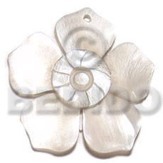 hand made 45mm hammershell flower groove Shell Pendant