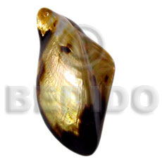 hand made Brownlip natural shaped polished pendant Shell Pendants