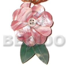 Inlaid flower leaf hammershell Shell Pendants