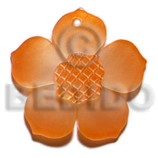 Graduated orange 30mm hammershell flower Shell Pendants