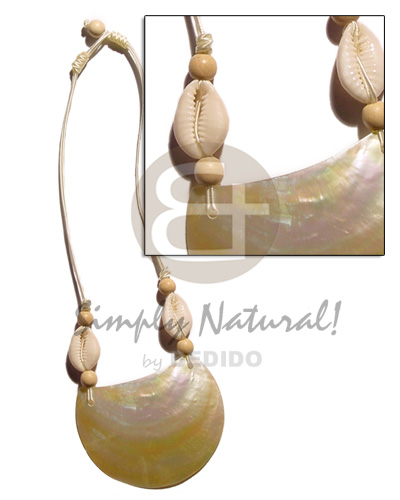 70mmx50mm mop pendant in cr�me Sigay Necklace