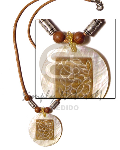45mm round hammershell skin wood Surfer Necklace