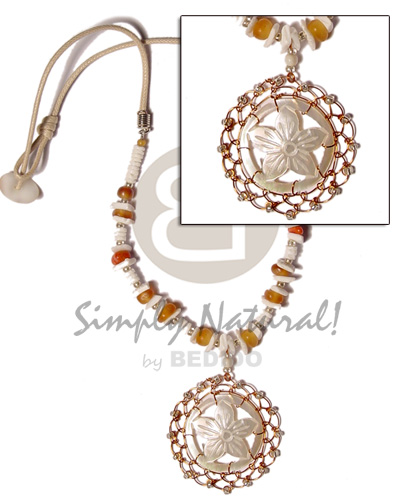 Carved round floral mop Teens Necklace