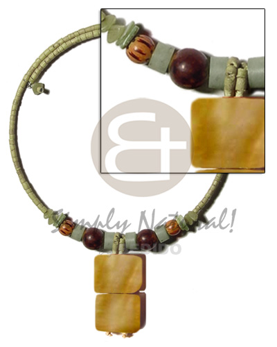 hand made Olive green 2-3mm coco heishe Teens Necklace