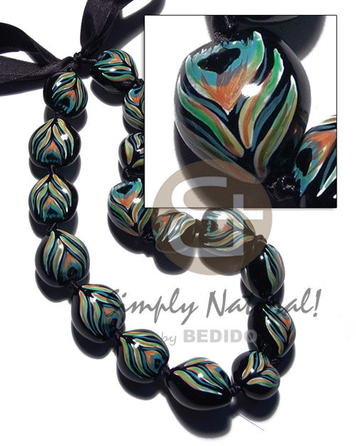 Kukui seeds in animal print Teens Necklace