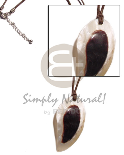 hand made Teardrop hammershell embossed skin Teens Necklace