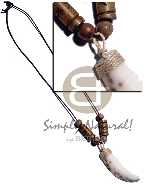 Cowrie tiger tooth pendant Unisex Necklace