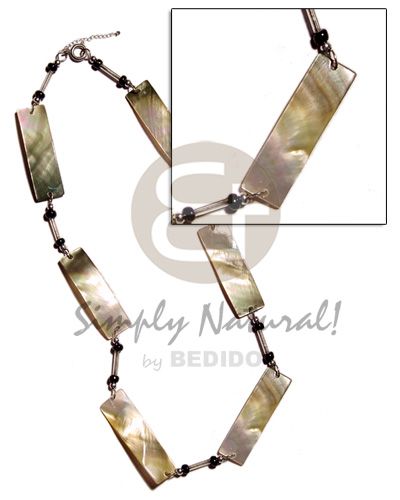 Blacklip bars glass beads Womens Necklace