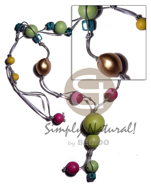 Kukui colored wood beads Womens Necklace