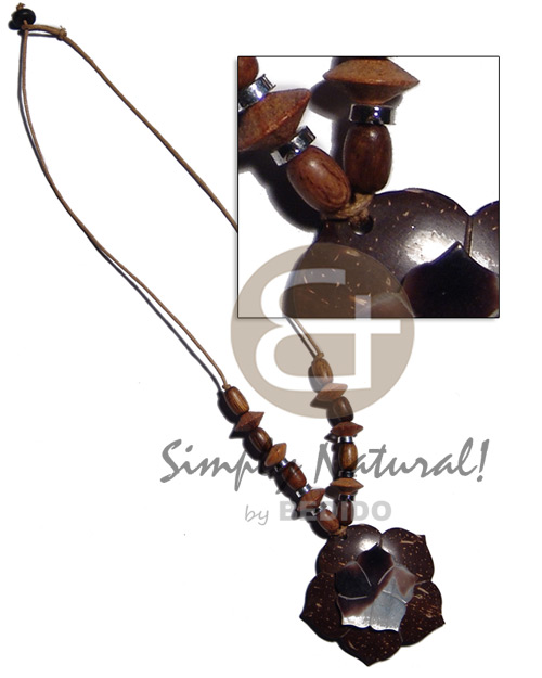 45mm flower coco pendant Wood Necklace