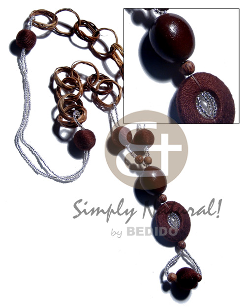Basket rings kukui nuts 15mm Wood Necklace