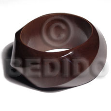 twisted chunky bangle / dark brown / grained,sanded,stained and coated   clear high gloss protective finish nat. wood bangle / wood tones  ht= 35mm / inner diameter= 65mm  /  15mm thickness - Wooden Bangles