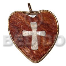 60mm textured heart bayong wood Wooden Pendant